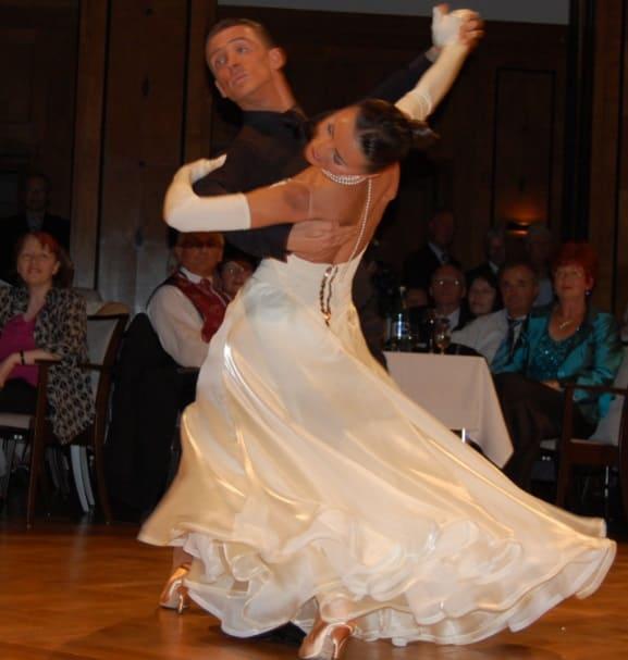 維也納華爾滋舞姿